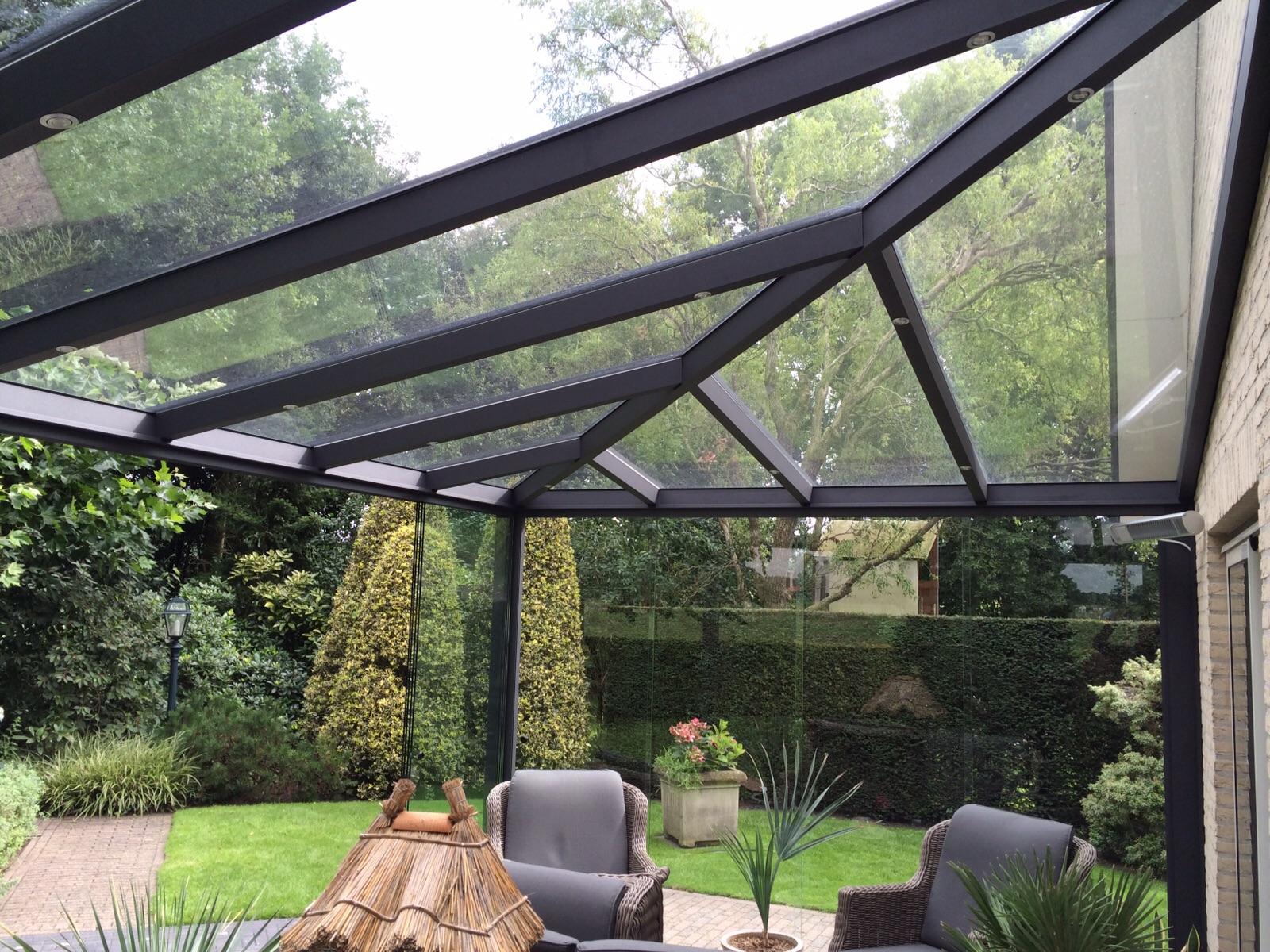 Tuinkamer dak met visgraad